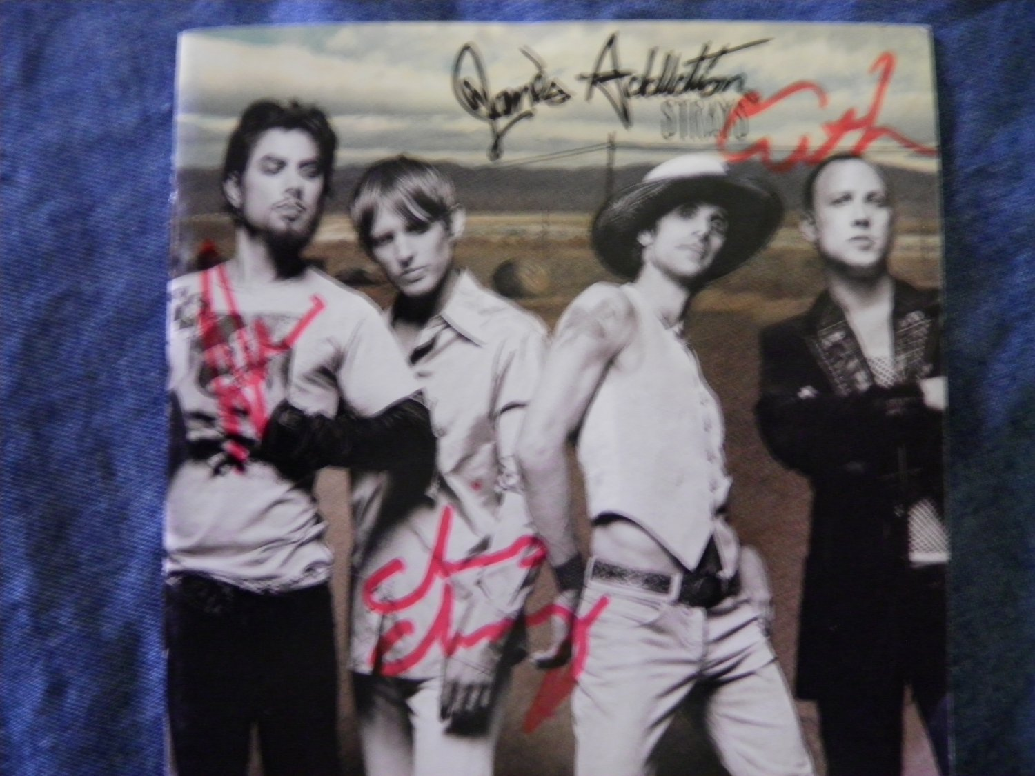 JANE'S ADDICTION CD insert Dave Navarro strays AUTOGRAPHED