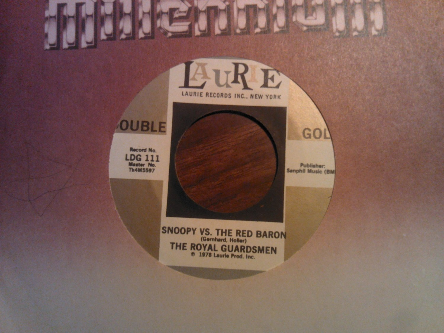 45 THE ROYAL GAURDSMEN Snoopy vs the Red Baron b/w Return Of laurie vinyl record VINTAGE
