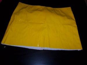 Yellow vinyl mini