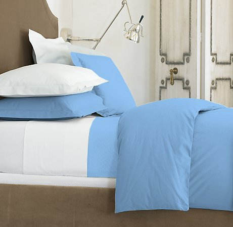 100 % Egyptian Cotton Color  Blue 1500 TC Queen Size Solid Sheet Set.