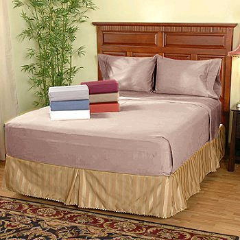 100 % Egyptian Cotton Color  Blush 1500 TC Queen Size Solid Sheet Set.