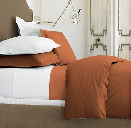 100 % Egyptian Cotton Color  Brick 1500 TC Queen Size Solid Sheet Set.