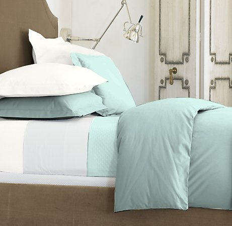 100 % Egyptian Cotton Color  Meadow 1500 TC Queen Size Solid Sheet Set.