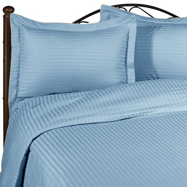 100 % Egyptian Cotton Color  Light Blue 1500 TC Queen Size Solid Sheet Set.
