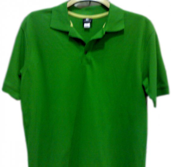 "T-SHIRT MEN'S BRANDED ""NIKE""100%OrganicCottonSize M,L,XL,XXLCOLOR GREEN, please mention the size."
