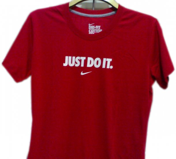 "T-SHIRT MEN'S BRANDED ""NIKE""100%OrganicCottonSize M,L,XL,XXLCOLOR RED, please mention the size."