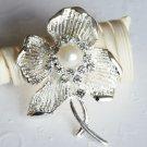 1 pc Rhinestone Crystal Diamante & Pearl Silver Flower Brooch Pin Jewelry Cake Decoration BR055