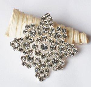 1 pc Rhinestone Crystal Diamante Silver Flower Brooch Pin Jewelry Wedding Cake Decoration BR096