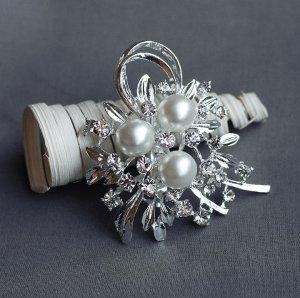"""1 pc Rhinestone Brooch 2.75"""" Crystal Pearl Wedding Invitation Cake Bouquet Decoration BR110"""