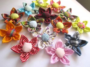 4 X HANDMADE ASSORTED FABRIC FLOWERS