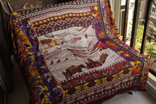 Authentic Hermes LA FEMME AUX SEMELLES DE VENT silk scarf Brand New