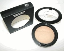 MAC Mineralized Skinfinish in Medium/Natural and Shimmer