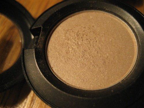 MAC Eyeshadow in Shroom