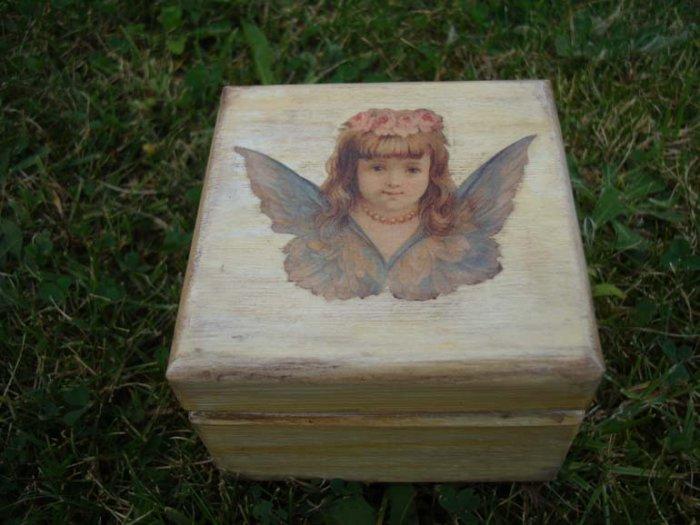 Jewelry angel box