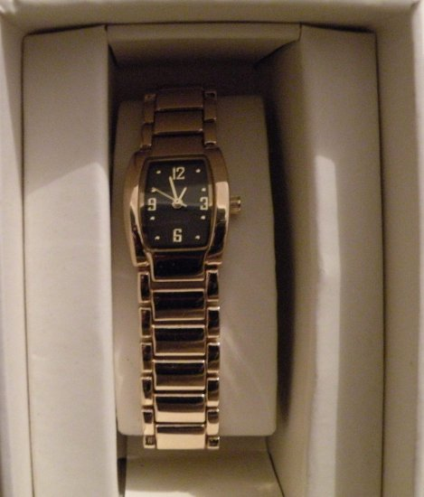 Womens Merona Gold Tone Watch  w/ Black Face, Link Band