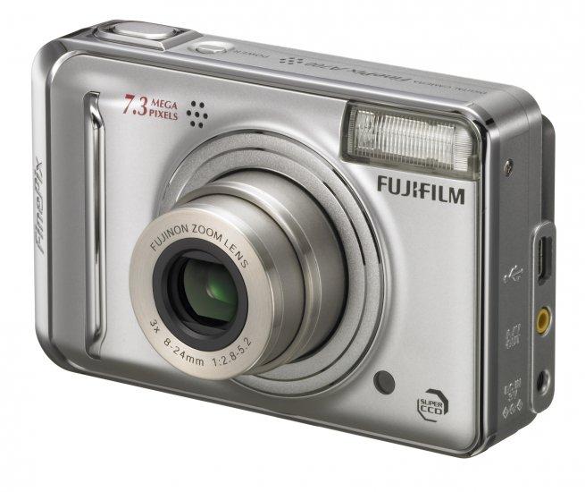 Fuji A700 7.3mp digital camera w/3x optical zoom