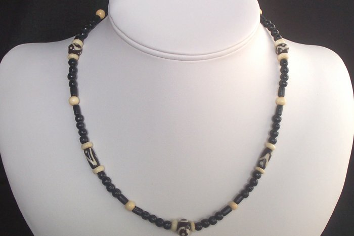 Black and Natural Wood Necklace