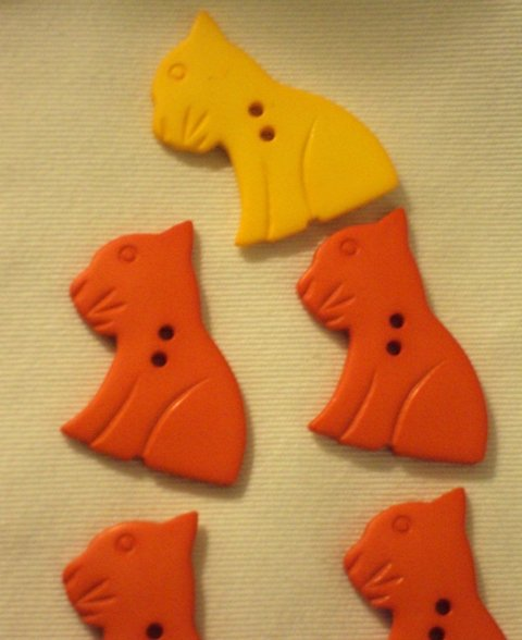 Kitty Cat Flat Back Orange & Yellow Novelty Plastic Buttons