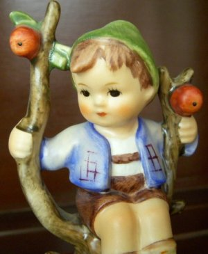 Vintage Hummel Apple Tree Boy, M.I. Hummel, TMK - 3  Mark, 1960-1972