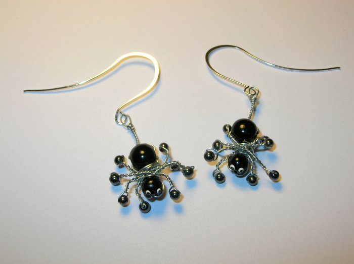Spider earrings - wire wrapped black widow handmade - Halloween and other