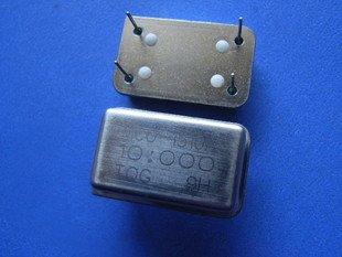 4MHz Crystal oscillator, 4 legs, 2 pcs.  (Item# X0032)
