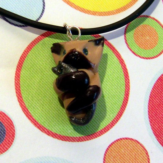 Kitty Hugging Mouse Siamese Cat Necklace