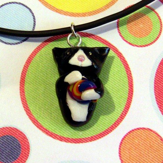 Kitty Hugging Yarn Necklace-- Tuxedo