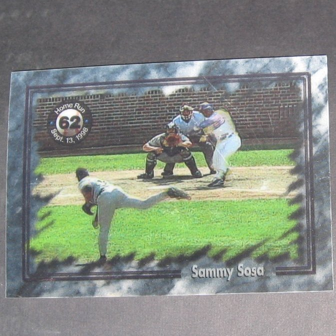 SAMMY SOSA - 62nd Homerun Magic Motion Card - Chicago Cubs