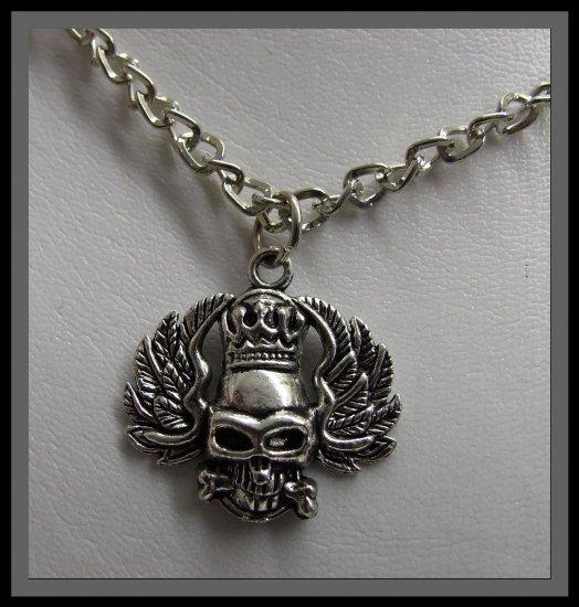 Gothic Skull on Chain - Chrome