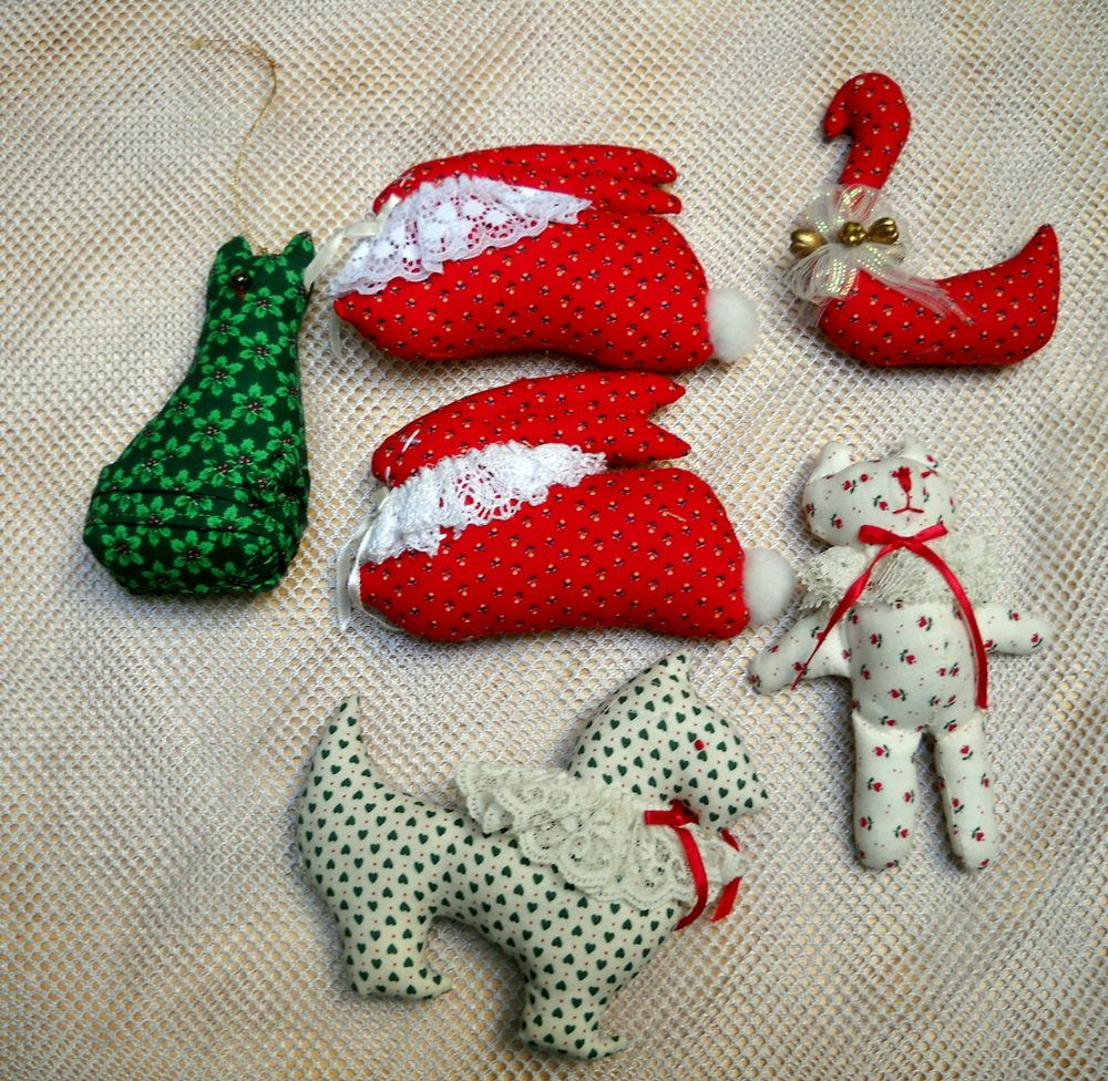 Lot of 6 Handmade Calico Cloth Stuffed Christmas Ornaments