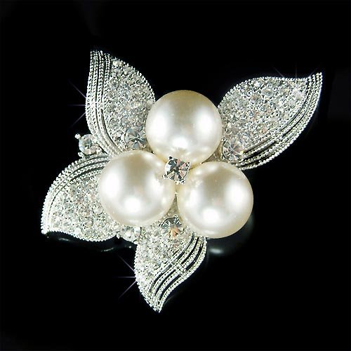 Beautiful Swarovski Crystal and Pearl Flower Brooch for Wedding