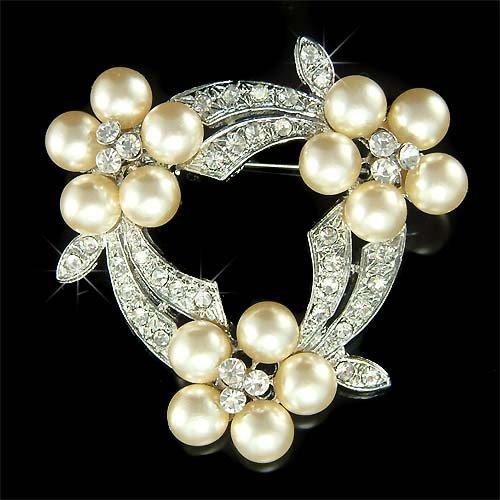 Swarovski Crystal Antique Cream White Pearl Flower Wreath Brooch
