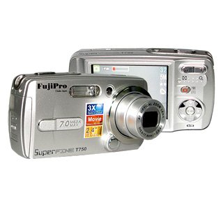 "Digital Camera 1/2.5"" CCD 7.0M Pixel, Optical Zoom, 2.4-inch LCD"
