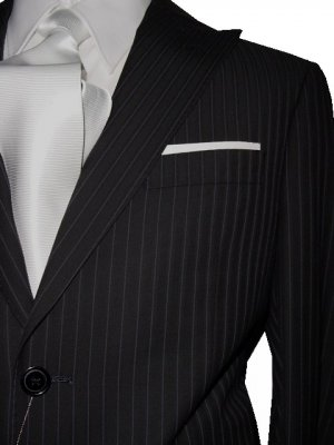 34S Vitarelli 2-Button Men's Suit Black with Single Stripe FREE Neck Tie Size 34S