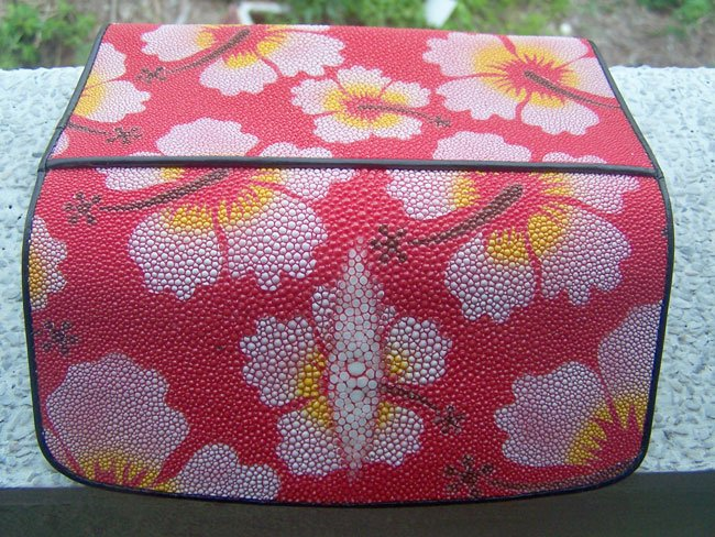 100% Genuine Rose with Red BG Stingray Lady Wallet