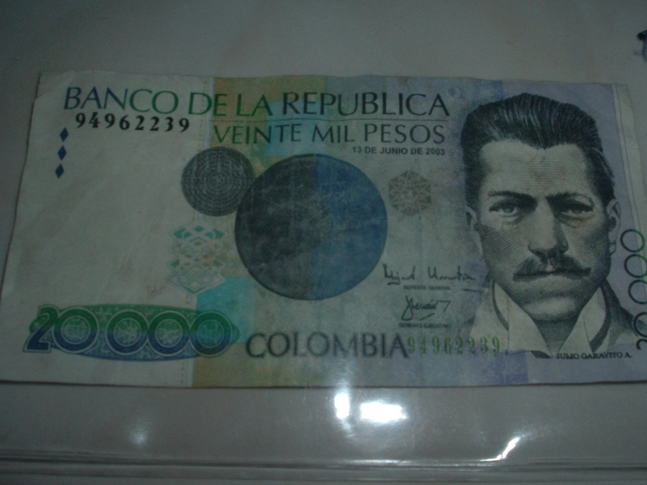Colombian 20,000 Pesos Paper Currency