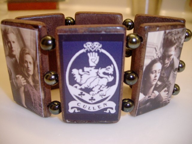 Twilight stretch wood Bracelet Edward ,BELLA The Cullens