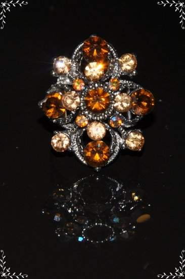 Two tone yellow crystal flower ring R1240