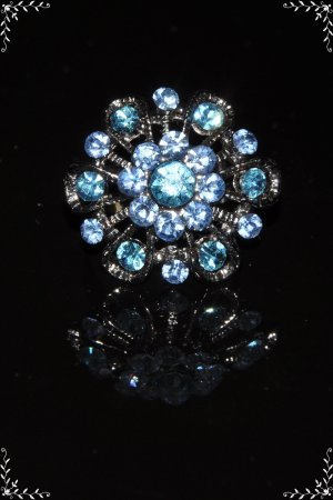 Two tone blue crystal flower vintage style ring R1244