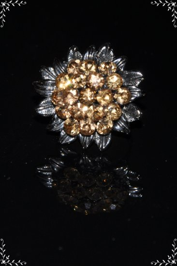 Yellow crystal flower with metal leaves ring R1251