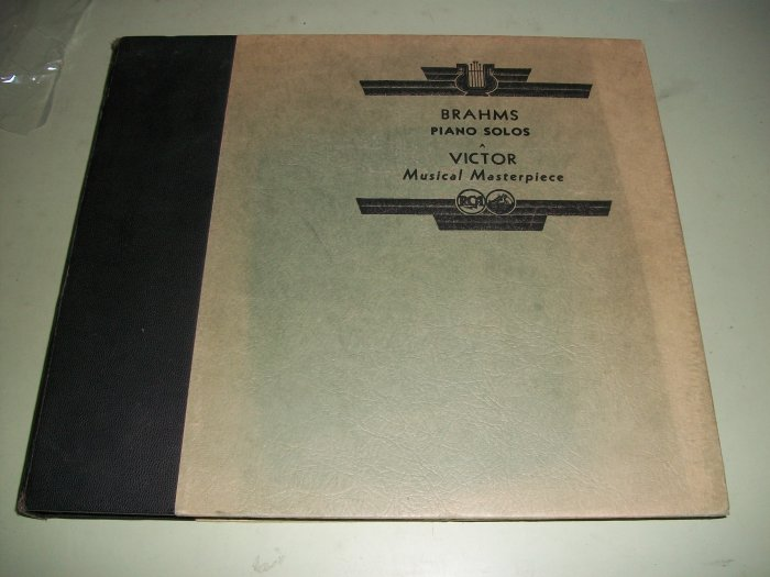 Brahms  Piano Solos - Wilhelm Bachaus - VICTOR 78 rpm - 7 Record Set