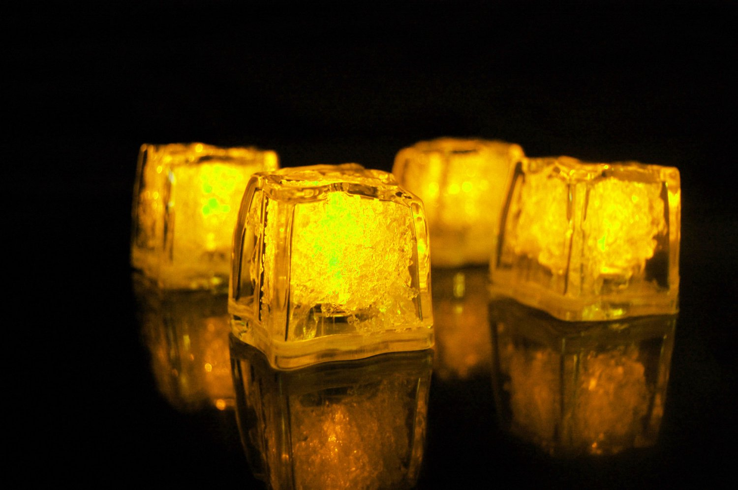 Set of 4 Litecubes  Brand Jewel Color Tinted Topaz Yellow Light up LED Ice Cubes