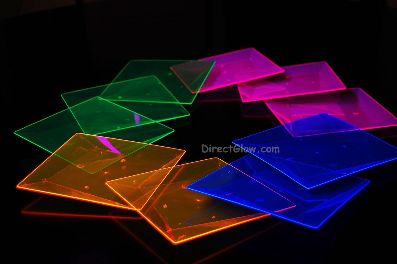 Blacklight Reactive 6.5 Inch Square Twist Plastic Party Plates- 10 ct.