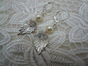 Silver Birch Pearl Earrings