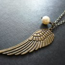 Firenze Angel Wing Cream Pearl Necklace