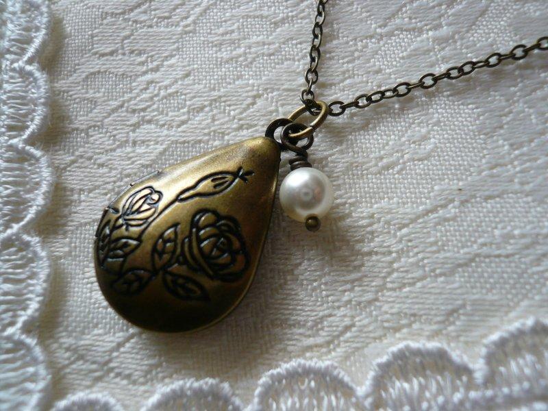 ROSEBUD Floral Teardrop Locket Necklace