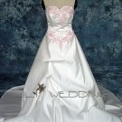 Sweetheart Strapless Wedding Dress - Style LWD0066
