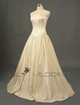 Sweetheart Ball Gown Wedding Dress - Style LWD0113