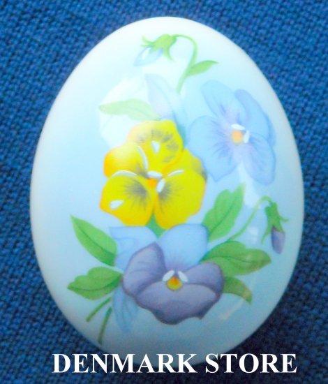 1998 Danish Bing & Grondahl Copenhagen Annual Egg