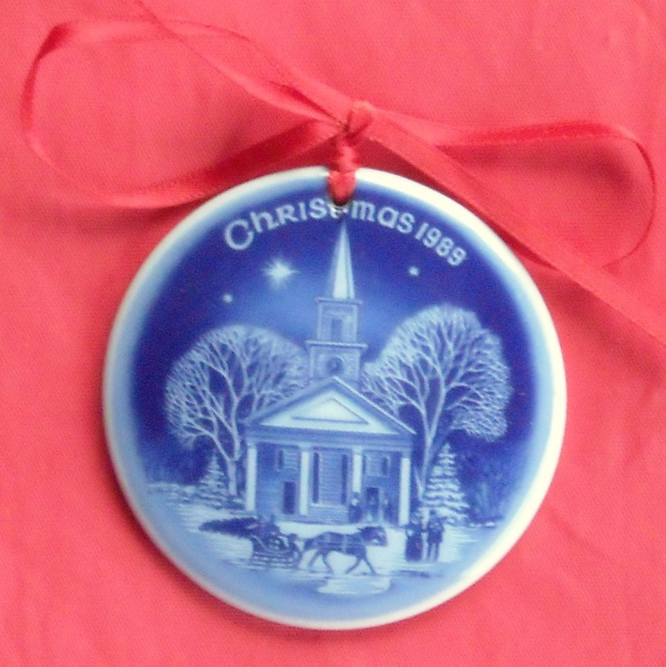 New England Christmas In America Bing & Grondahl Copenhagen Ornament 1989